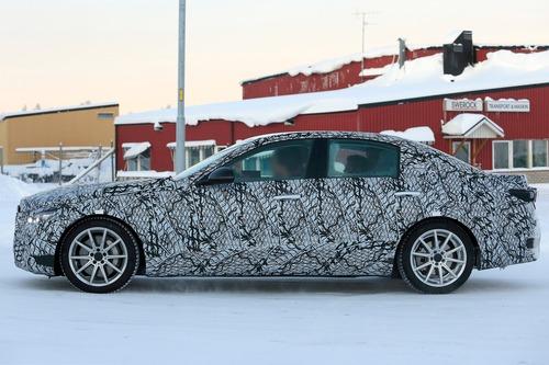 Mercedes Classe C, le foto spia (2)