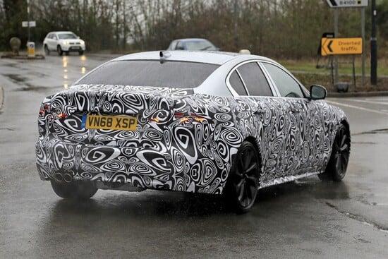 La futura Jaguar Xe avvistata su strada in Inghilterra