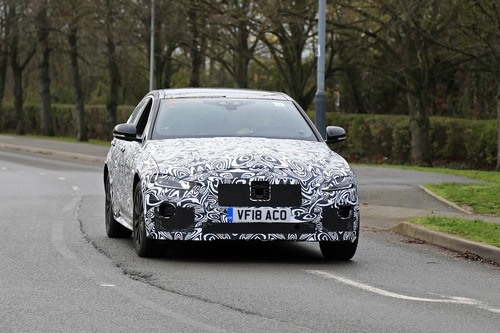 Nuova Jaguar XE: restyling per il futuro [Foto spia] (7)