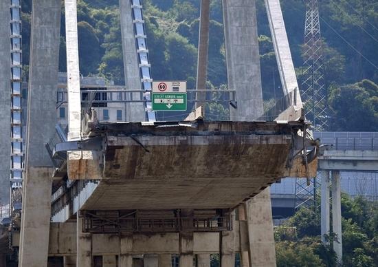 Ponte Morandi, Autostrade accusa il governo: «Trattati come un Bancomat»
