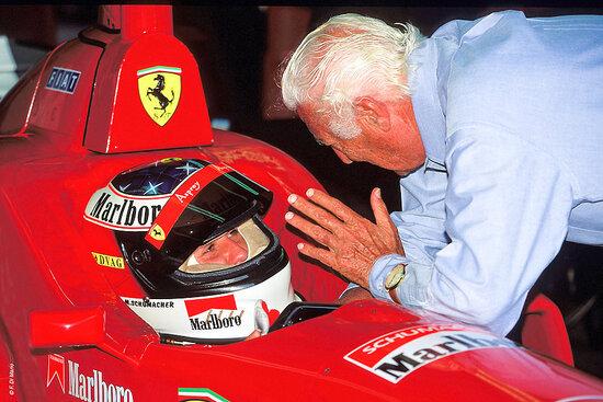Schumacher a colloquio con Gianni Agnelli. Foto: Filippo Di Mario