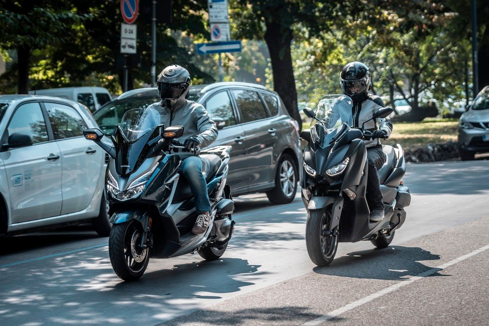 Honda Sh 300 Vs Yamaha X Max 400