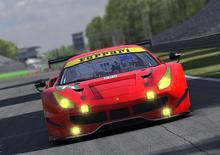 Gasly e Ferrari, il pilota di F1 si diverte sul simulatore iRacing [Video]