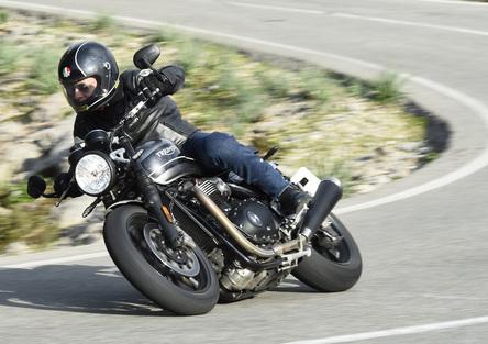 Triumph Speed Twin. Sportiva in abito classico