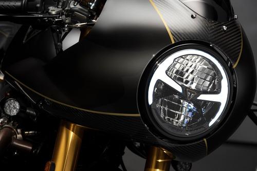 Triumph svela le Factory Custom Thruxton R e Rocket III (8)