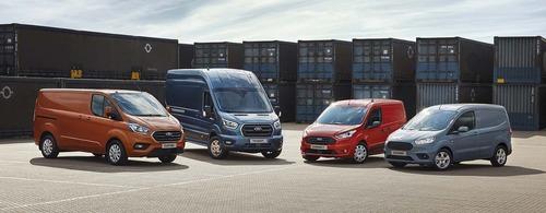 Veicoli commerciali Ford, 2019 ricco di novità con Raptor e Transit PHEV