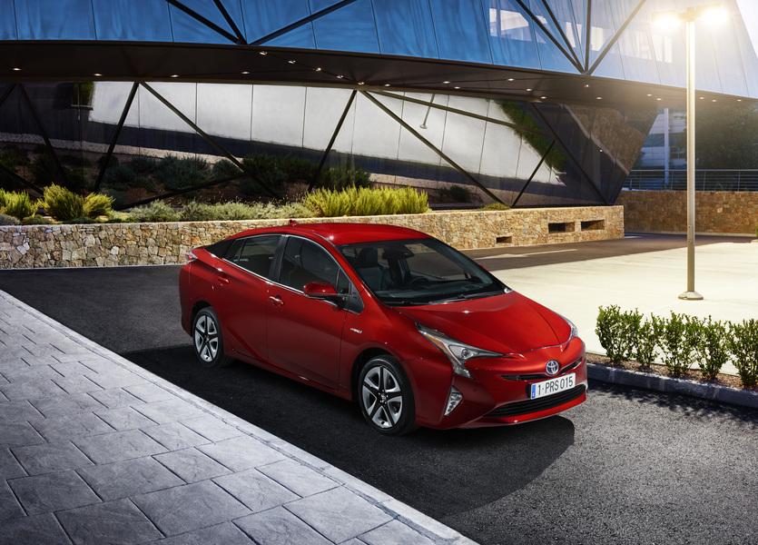 Toyota Prius (2016->>) (4)