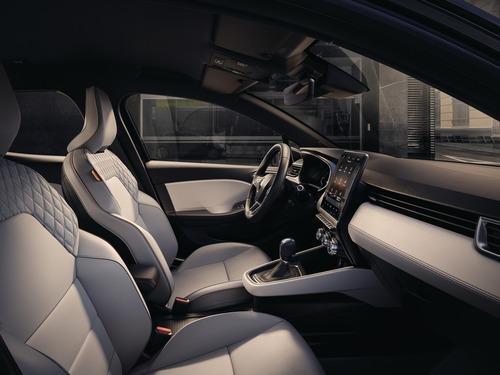 Nuova Renault Clio, svelati gli interni (3)