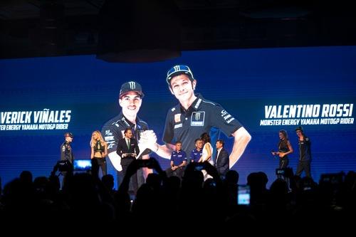 MotoGP. Yamaha svela la livrea 2019 di Rossi e Viñales (6)