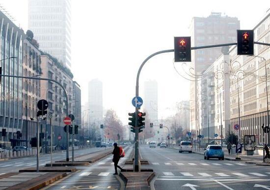 Costa: «Lo smog è emergenza». Ma PM10 e NOx da trasporto crollano