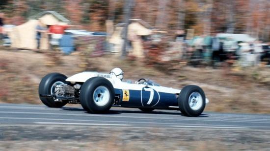 La 158 in livrea bianco/blu NART impiegata nei GP di Messico e USA 1964
