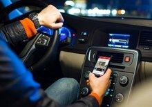 Polstrada: Ritiro immediato patente per cellulare alla guida
