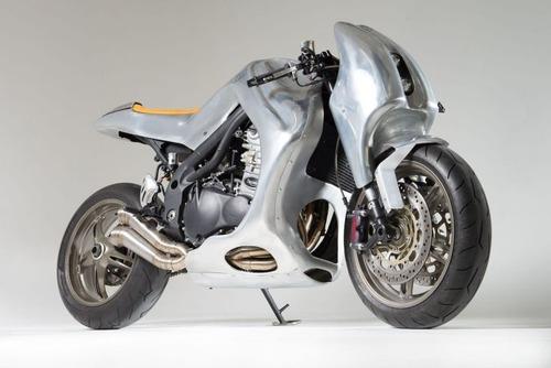 Triumph Speed Triple: una creazione bizzarra di Metalbike Garage (3)