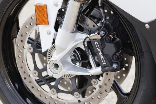 Le pinze freno radiali anteriori sulla BMW S1000RR 2019