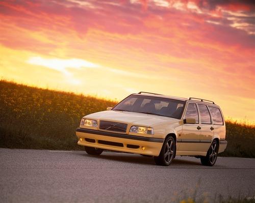 Volvo e la parabola della velocità: dalla 850 T5 SW al limite di 180 km/h (6)