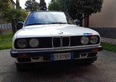 318i E30 d'epoca del 1985 a Brignano Gera d'Adda