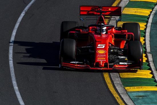 Terzo a sette decimi Sebastian Vettel