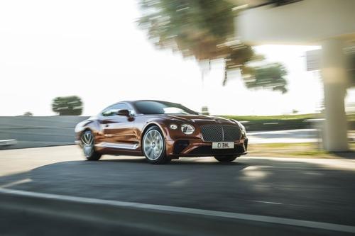 Bentley Continental GT V8, le nuove coupé e cabrio (7)