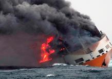 Nave Grimaldi con 2210 auto a bordo affonda: perse le ultime 991 GT2 RS prodotte [video]