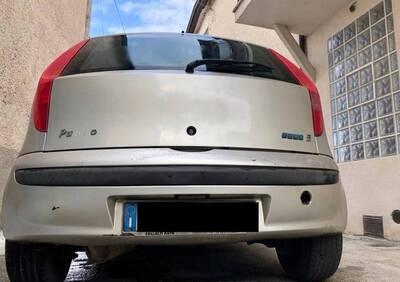 Fiat Punto 1.2i 16V cat 5 porte HLX del 2002 usata a Ferentino