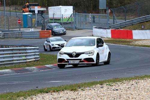 Renault Megane RS Trophy, le foto spia (6)
