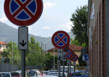 Divieto di sosta, Art. 158 CdS: conoscere il cartello e le regole per evitare la multa
