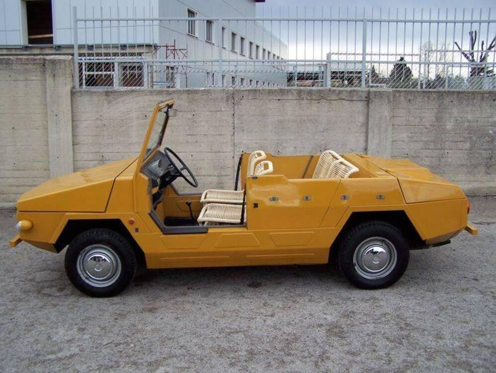 Fiat 850 Weekend carrozzata OSI d'epoca del 1968 a Corato (3)