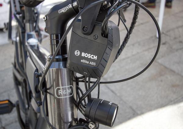 Test ABS Bosch per le eBike. Cosè e come va