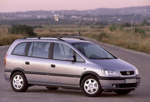 Opel Zafira: il mitico monovolume compie 20 anni (6)