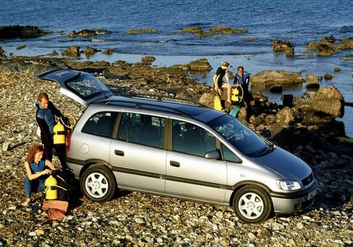 Opel Zafira: il mitico monovolume compie 20 anni