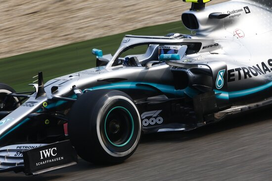 Doppietta Mercedes in Cina: Bottas è secondo