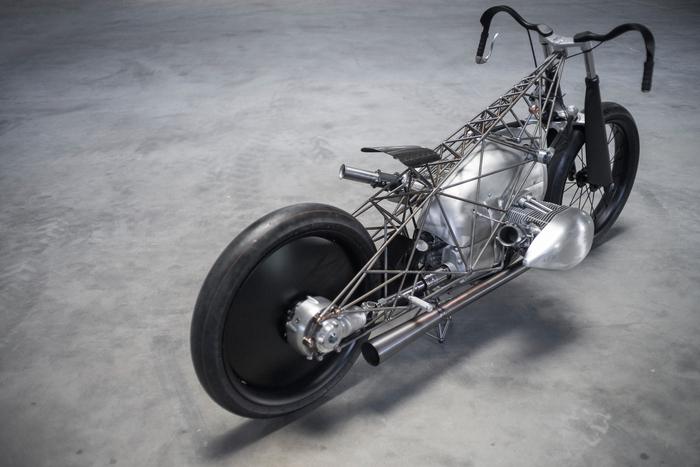La Birdcage, equipaggiata con il bicilindrico boxer motociclistico di maggior cilindrata mai prodotto