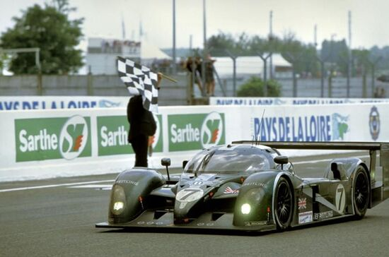 La Bentley Speed 8 guidata da Guy Smith, Kristensen e Capello, vincitrice dell'edizione 2003 della 24 ore di Le Mans