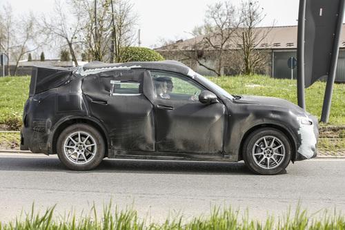 Alfa Romeo Stelvio: ecco il SUV con carrozzeria definitiva (6)