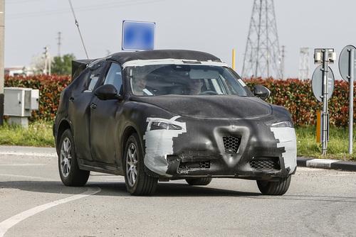 Alfa Romeo Stelvio: ecco il SUV con carrozzeria definitiva