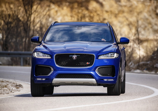 Jaguar F-Pace: i prezzi di listino
