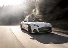 Aston Martin DBS Superleggera Volante, en plein air