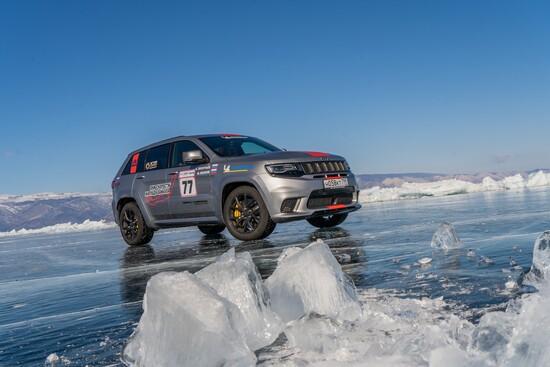 La Jeep Grand Cherokee Trackhawk ha conquistato il record di SUV più veloce su ghiaccio: 280 km/h