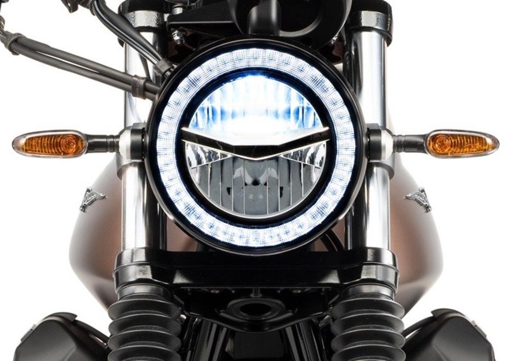 Moto Guzzi V7 III Stone Night Pack (2019 - 20) (4)