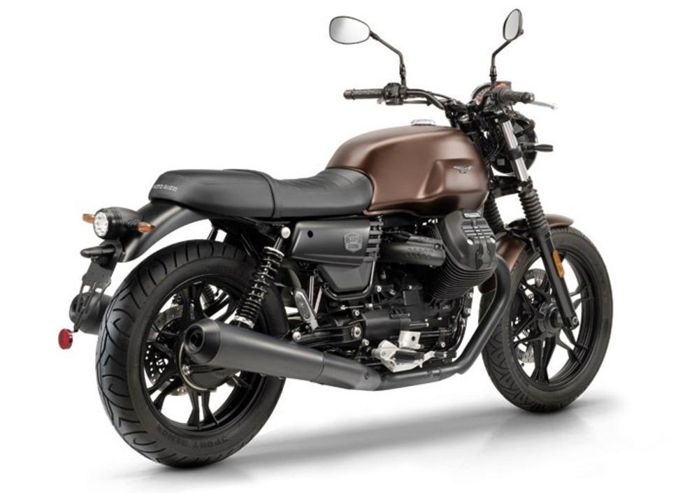 Moto Guzzi V7 III Stone Night Pack (2019 - 20) (3)