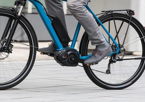 Mercato: eBike vendite +17%, calano le bici tradizionali