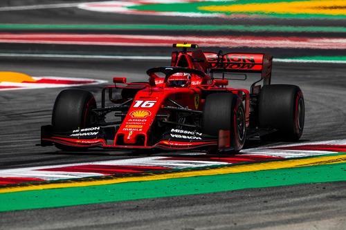 F1, GP Spagna 2019: Mercedes, i gilet gialli della F1 (5)