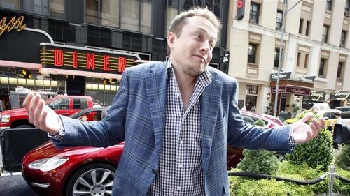 Video di sesso su Tesla in viaggio: Autopilot guida, Pornhub incassa, Elon prende atto… No buono! (6)