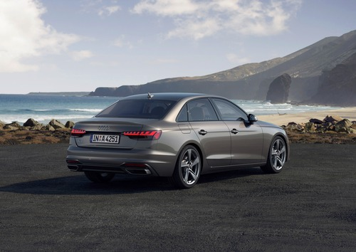 Audi A4 restyling, arriva l'ibrido (5)