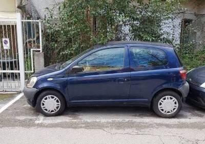 Toyota Yaris 16V cat 3 porte del 2002 usata a San Benedetto del Tronto