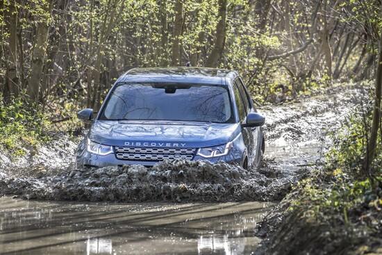 La nuova Discovery Sport è stata pensata anche per il fuoristrada