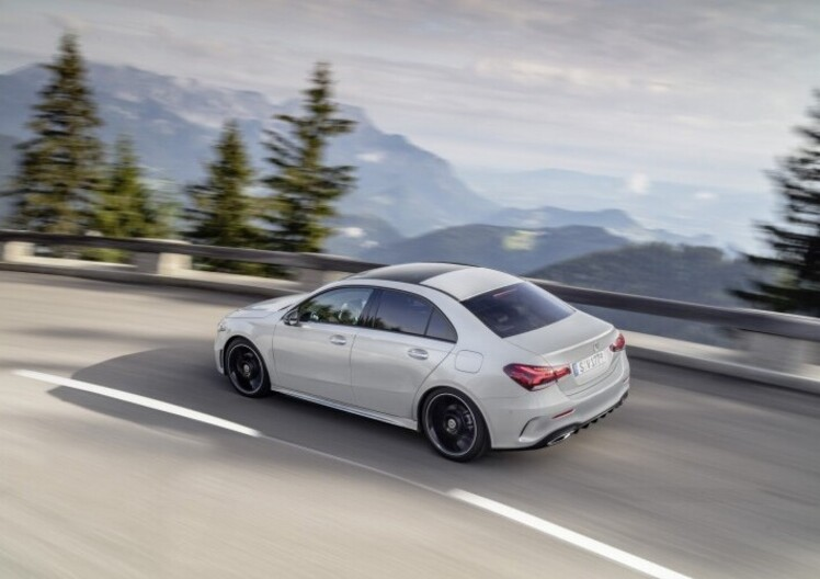 Nuova M-B V177 Sedan: la Classe A diventa vera berlina Mercedes [video]