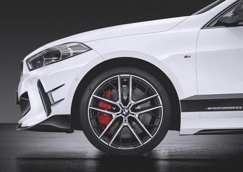 BMW Serie 1 2019: subito disponibile la linea M Performance (7)