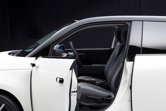 Honda E: specchietti digitali per la nuova citycar elettrica