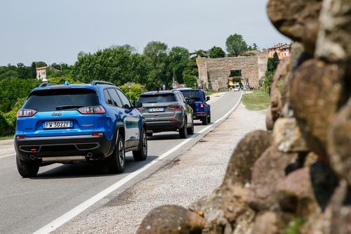 Nuova Cherokee 2019 Trailhawk: col benzina 272 CV è una pura Jeep bella anche in strada (5)